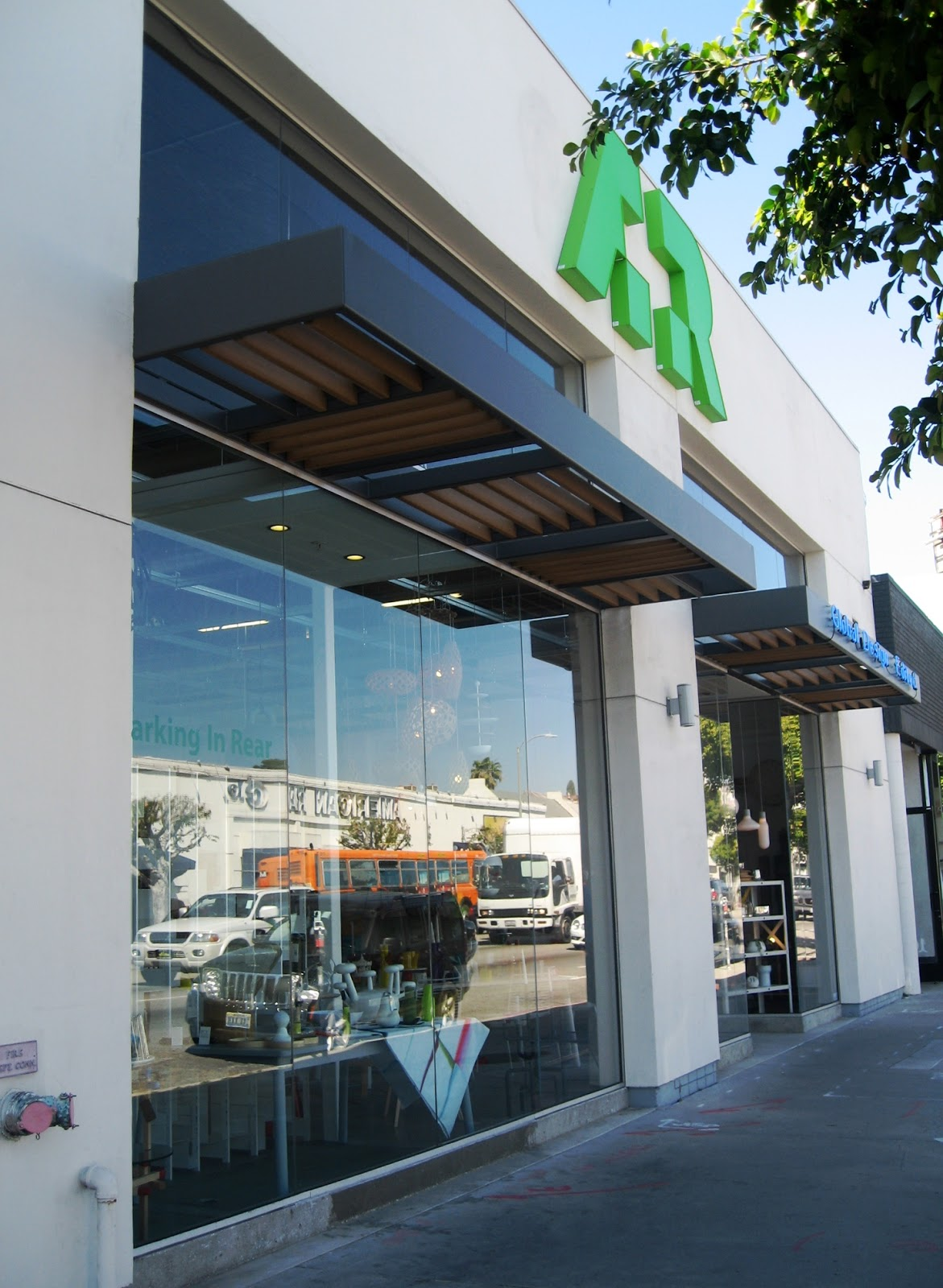 According to BRASWELL: Walking on La Brea Ave.- New Shops and Old