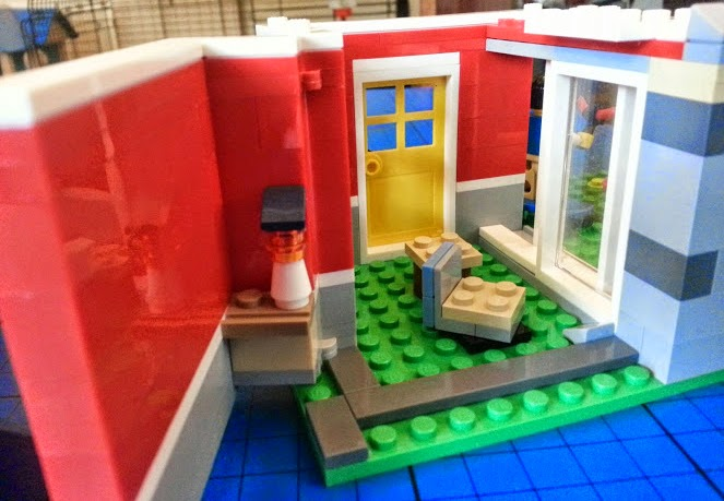 LEGO Creator 31009 Small Cottage 3in1 open wall at rear and patio doors