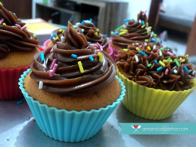 receita cupcake de chocolate brigadeiro fácil