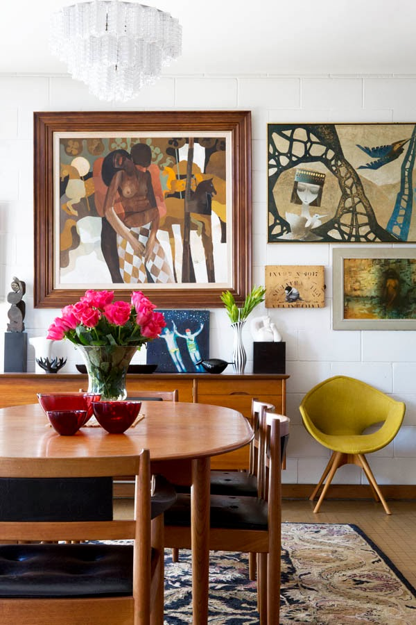 en australia ha hecho que su hogar sea la galera perfecta para mostrar su coleccin de muebles y objetos de decoracin de los aos y