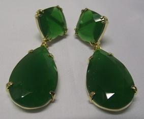 Brinco com pedra verde esmeralda
