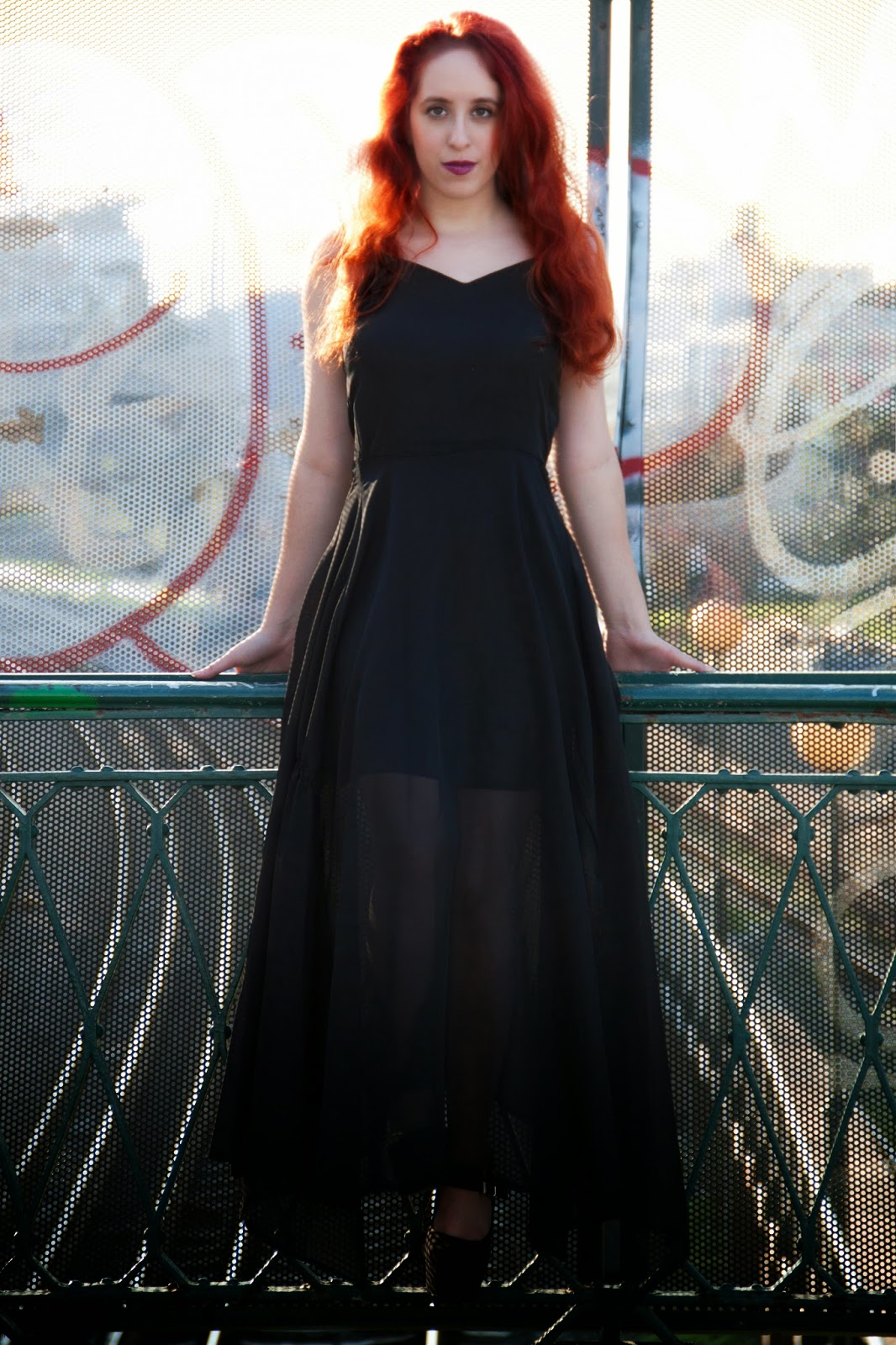 Redhead, spotlights on the redhead, clothes, Anna Keni, Anna, fashion, blogger, fashion blogger, review, red, dress, model, hot, glamour, dolls, glamour dolls, meleona, oasap, waiting game