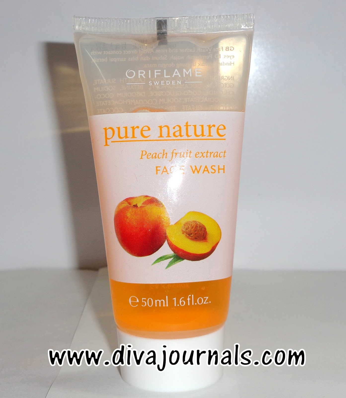 Oriflame Pure Nature Peach Fruit Extract Face wash