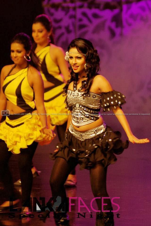 Shalini Tharaka navel
