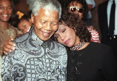 Mandela dan Keintimannya dengan Indonesia Dalam Madiba Shirt