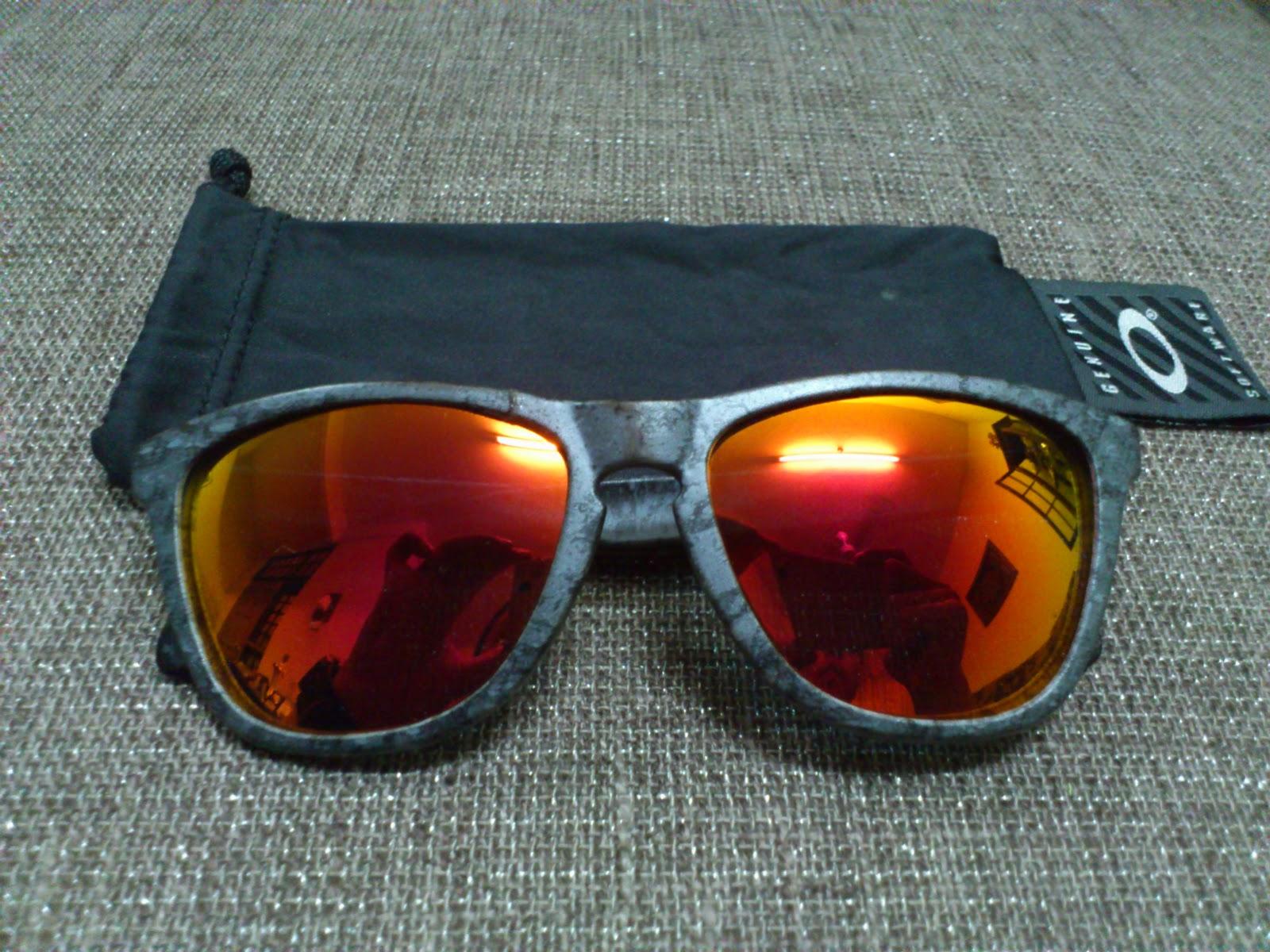 e81fa6503ba Oakley Frogskins Fire Red