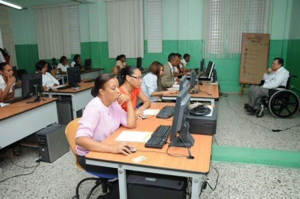 Educaci n tiene plazas vacantes 17 mil profesores a o for Vacantes para profesores
