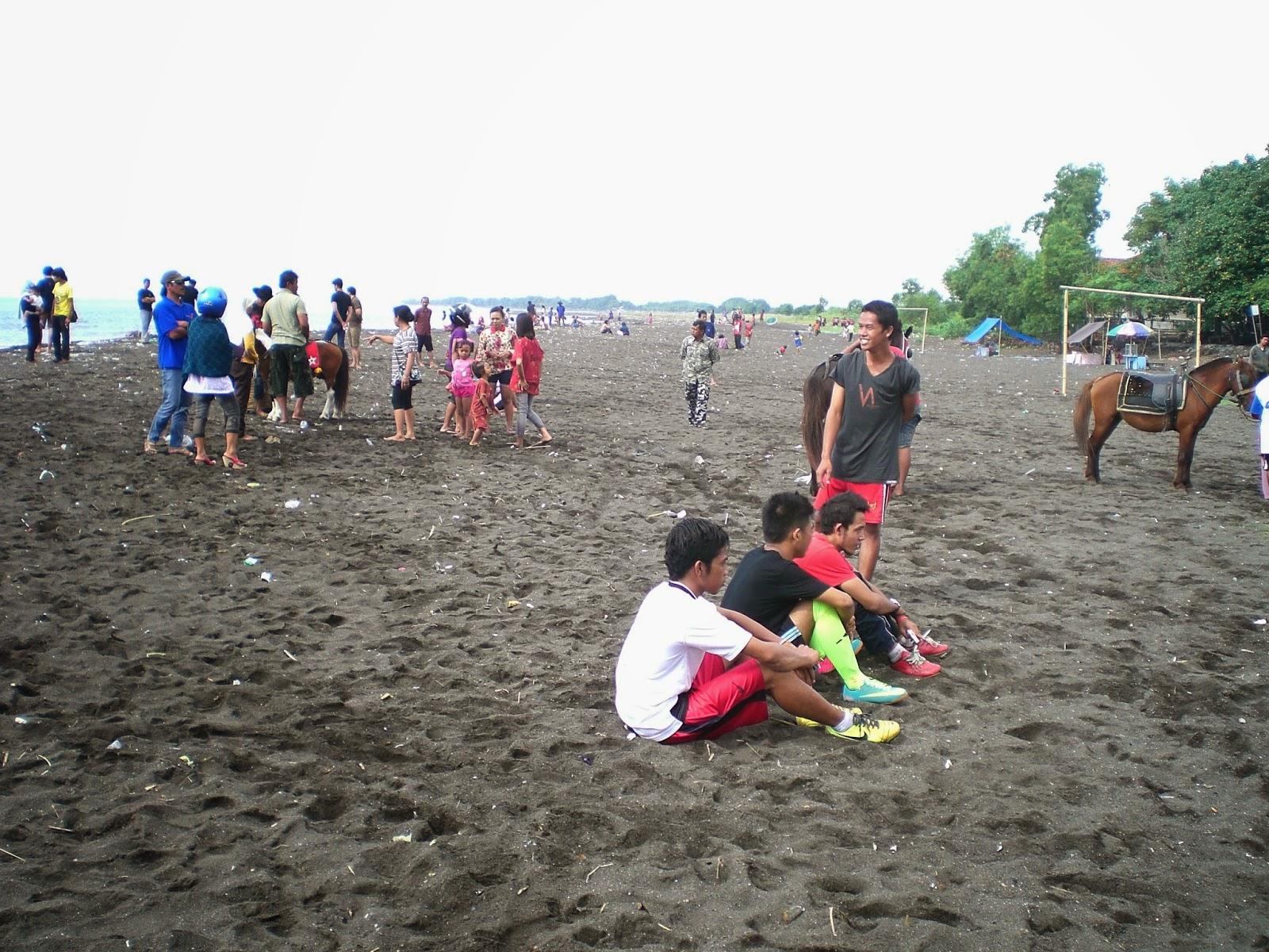 Pantai Boom Banyuwangi.