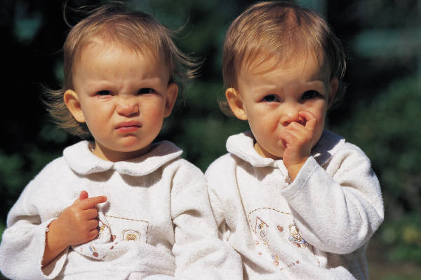 TATOOS SPONGEBOB: Beautiful Twin Babies