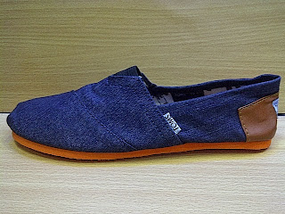 five factors of toms shoes microenviroment