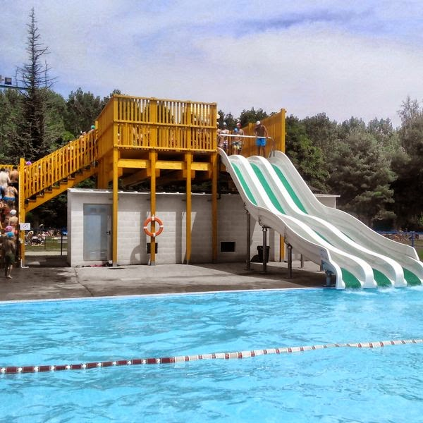 Planes de familia escapadas disfrutando de las piscinas for Piscinas publicas valencia