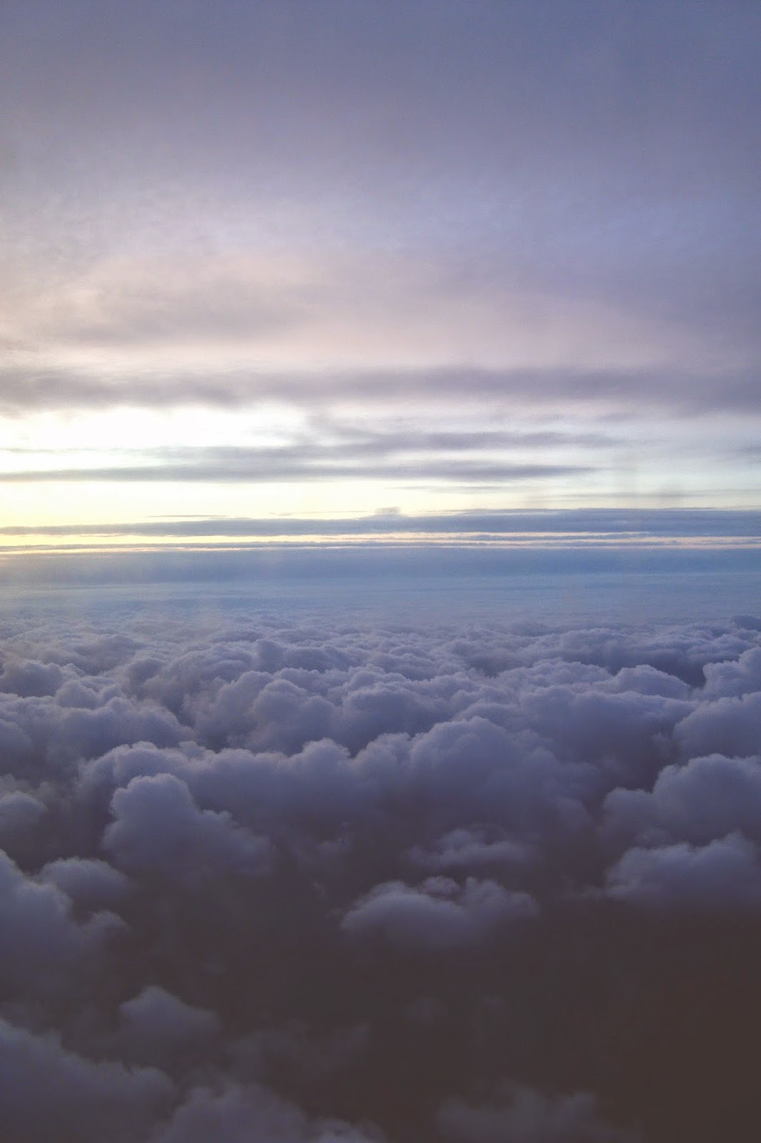 Il cielo dal finestrino dell'aereo