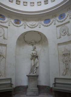 Ceres/Demeter im Tempel der Botanik