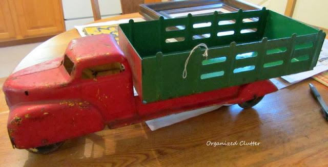 1940's metal truck www.organizedclutterqueen.blogspot.com