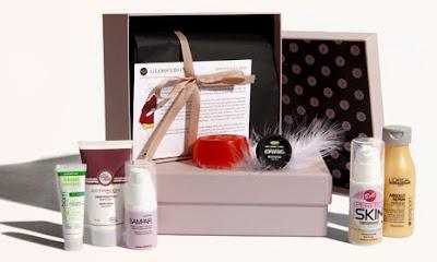 La Glossy Box: Un cadeau original et super tendance pour la fête des mères ou pour soi! Idéal pour les beauty addict. Bon plan cadeau fête des mères Idée cadeau originale cadeau glossybox code promo glossybox