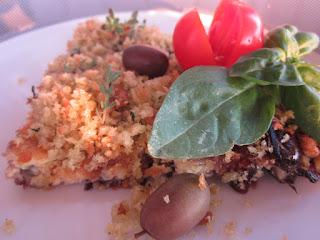 frittata croccante con cipolle di tropea, capperi e olive