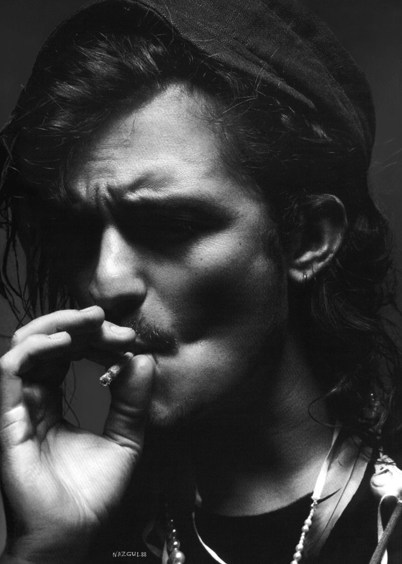 Cigarettes for real men: Male Celebrity Smoking List