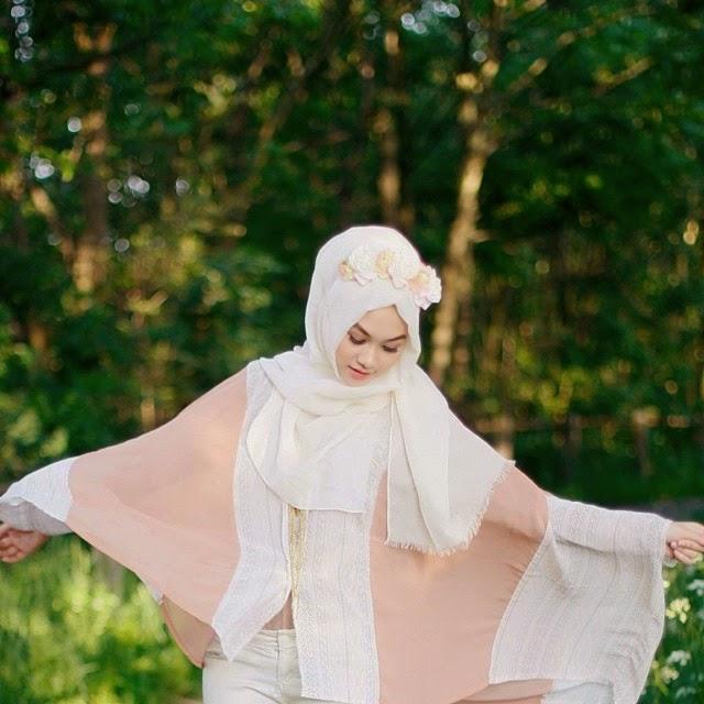 Foto Indah Nada Puspita, Hijaber Fashionable Ala Luar Negeri 2014