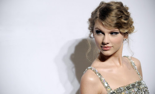 Taylor Swift Beautiful Teen Girl Wallpapers Actress Wallpapers