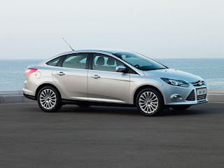 2012-Ford-Focus-03