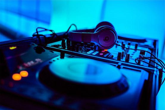 A DJ Set