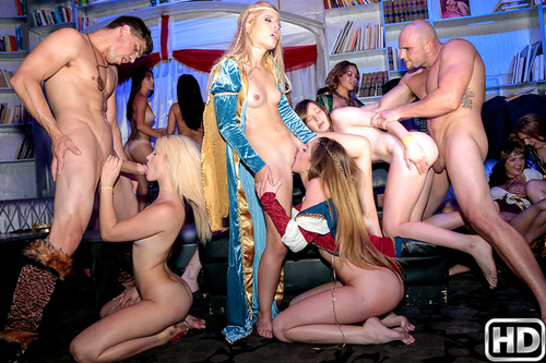 Goldie Oritz - game of pussy (In The Vip)