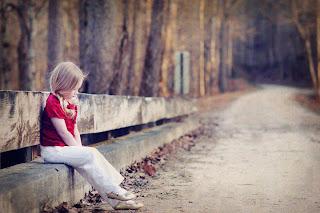 alone baby girl waiting