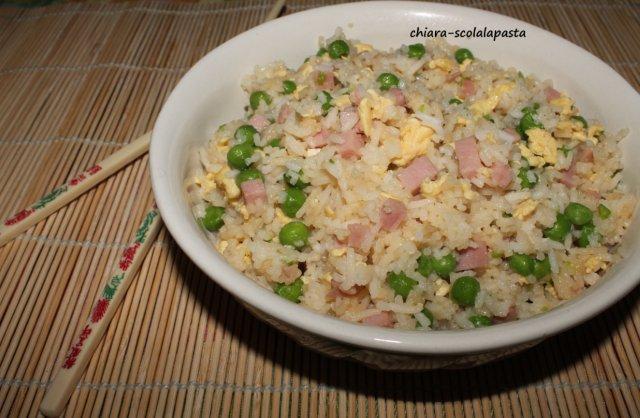Scola la pasta riso alla cantonese for Piatto tipico cinese