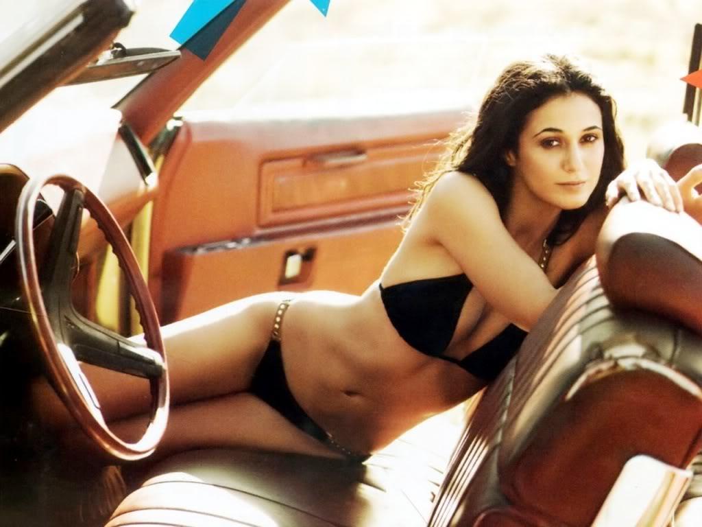 http://3.bp.blogspot.com/-Ygxio71gqGU/TpCFTsSe9cI/AAAAAAAAAW8/RqEDwyv08Rg/s1600/EmmanuelleChriqui-desnuda-sexy-bikini-tetas-culo-boobs-o.c.-hot.jpg