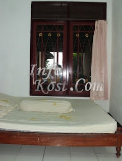 kost putri uii