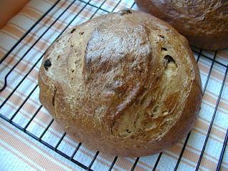 bbb buddy:  molasses fennel rye bread