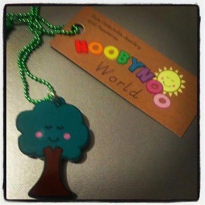Leafy the Tree necklace 1