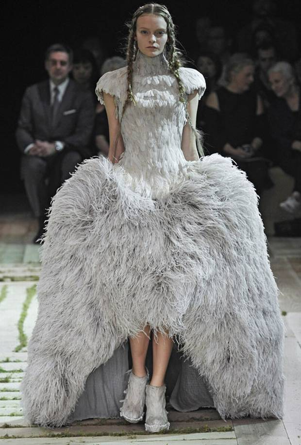 research paper about alexander mcqueen Alexander mcqueen trading america at 50 hartz  thousands of companies like you use panjiva to research suppliers and  on 3 pallets tissue paper hs code 4.