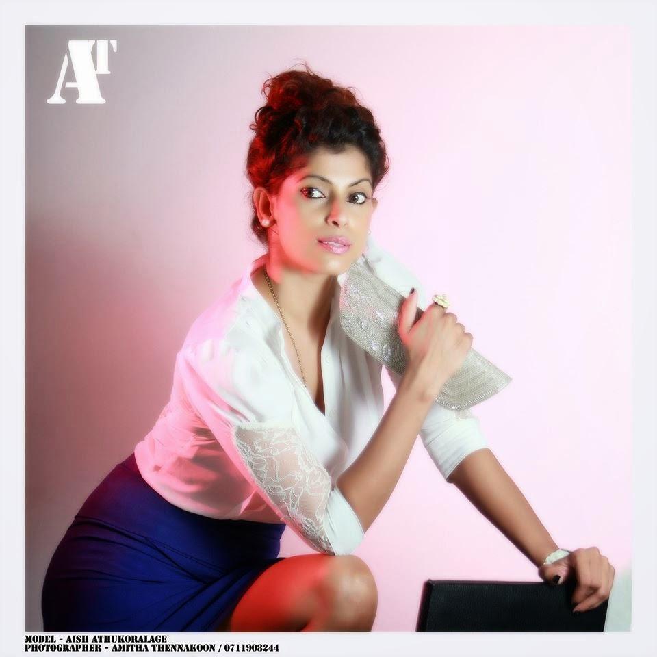 Aish Athukoralage blue legs