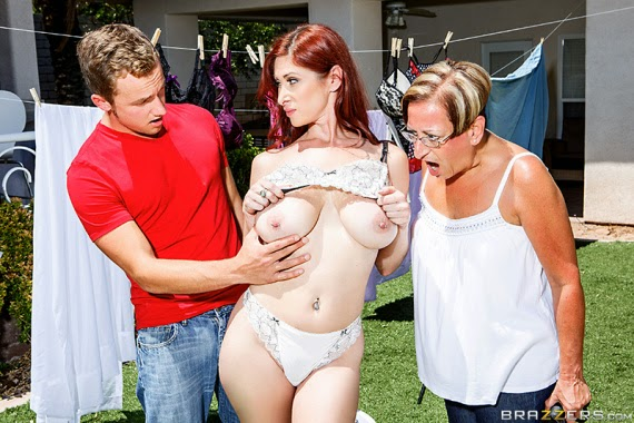 Tiffany Mynx The Neighborhood Hussy