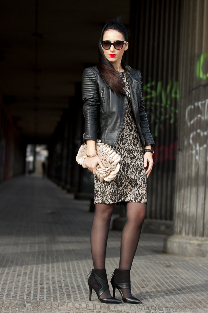 Outfit Trend Olimara lace dress style romantic rock leather biker jacket Zara blog fashion withorwithoutshoes