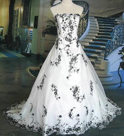 Royal Wedding Accessories: Wedding Gowns For Black and White Weddings