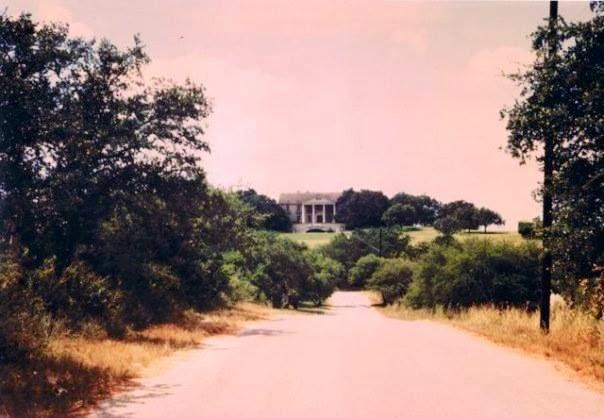 Antonio mansion midget san texas