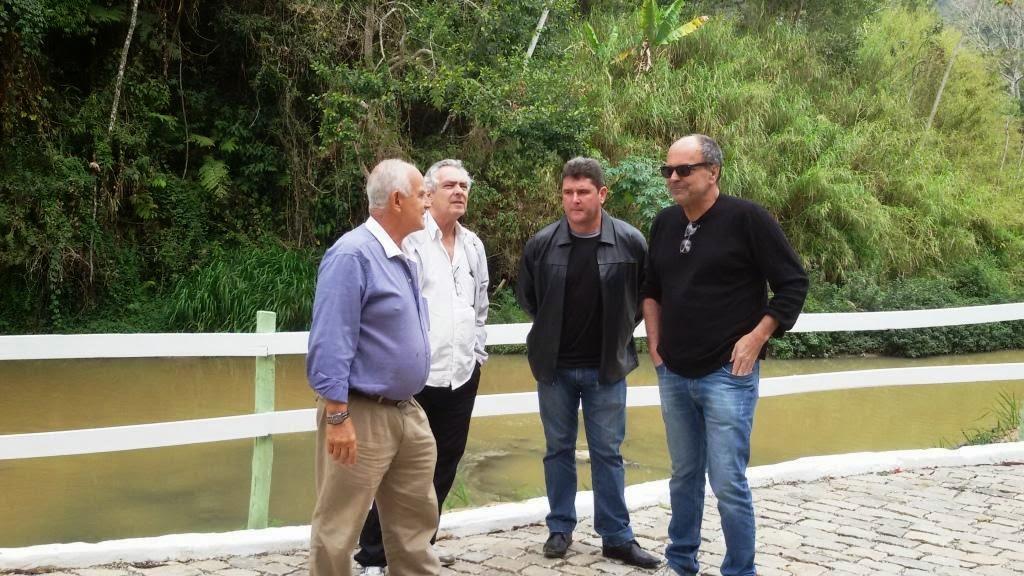 Prefeito Arlei com o vereador Dr. Carlão e secretários Beto Rosa e Ronaldo Fialho visitam a Cascata do Imbuí