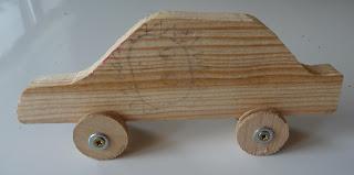 jak samemu zrobić drewniany samochodzik