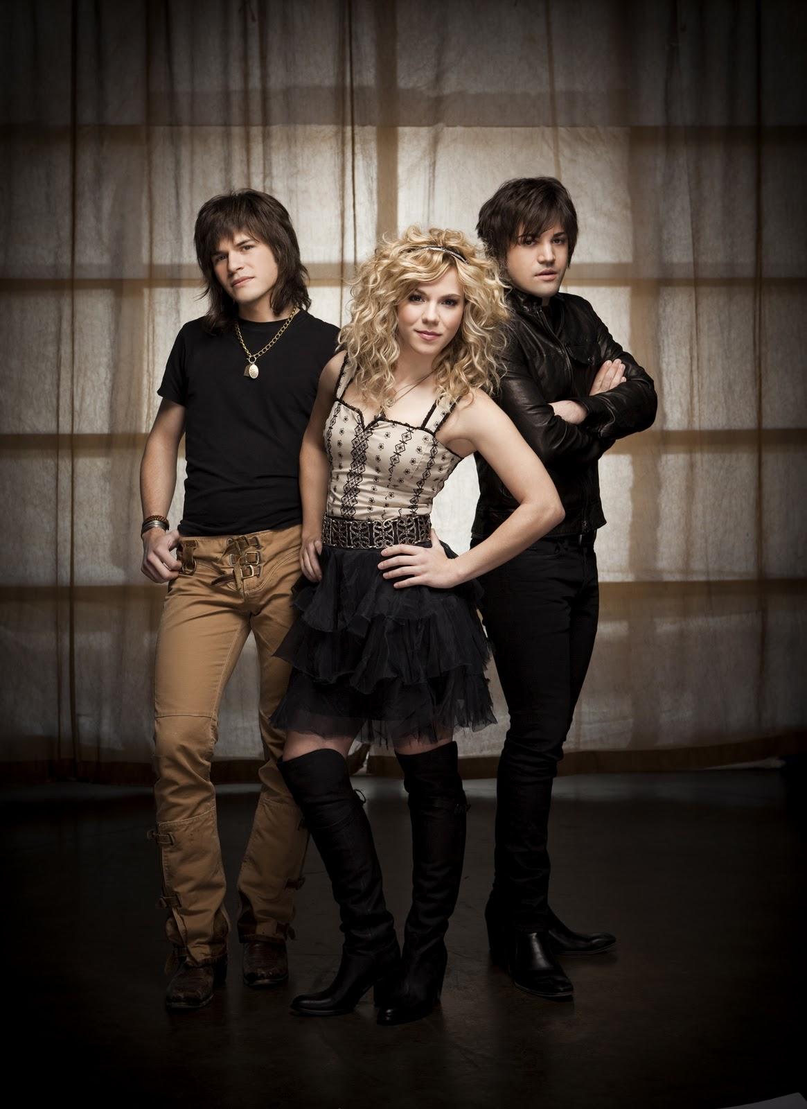 The-Band-Perry-at-cma-awards-2011