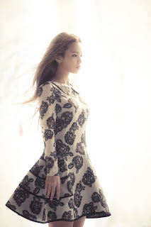 Lirik Lagu Lee Hi – Rose