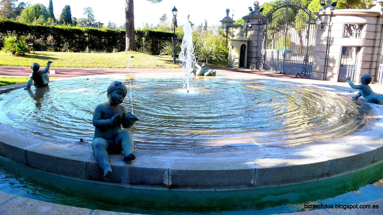Mi barcelona jardines de joan maragall y palacete alb niz for Estanques japoneses jardin