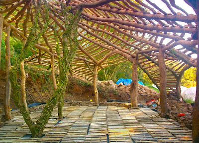 Wales hobbit house roof construction detail