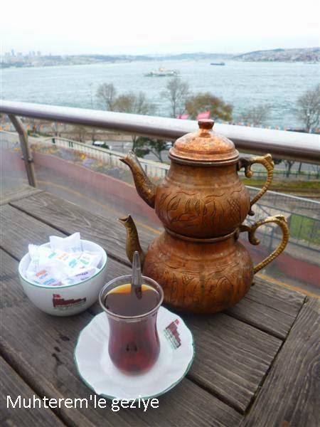 Bakır Çaydanlıkta Çay