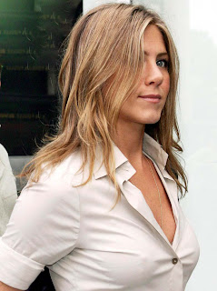 Jennifer Aniston gets Decade of Hotness award