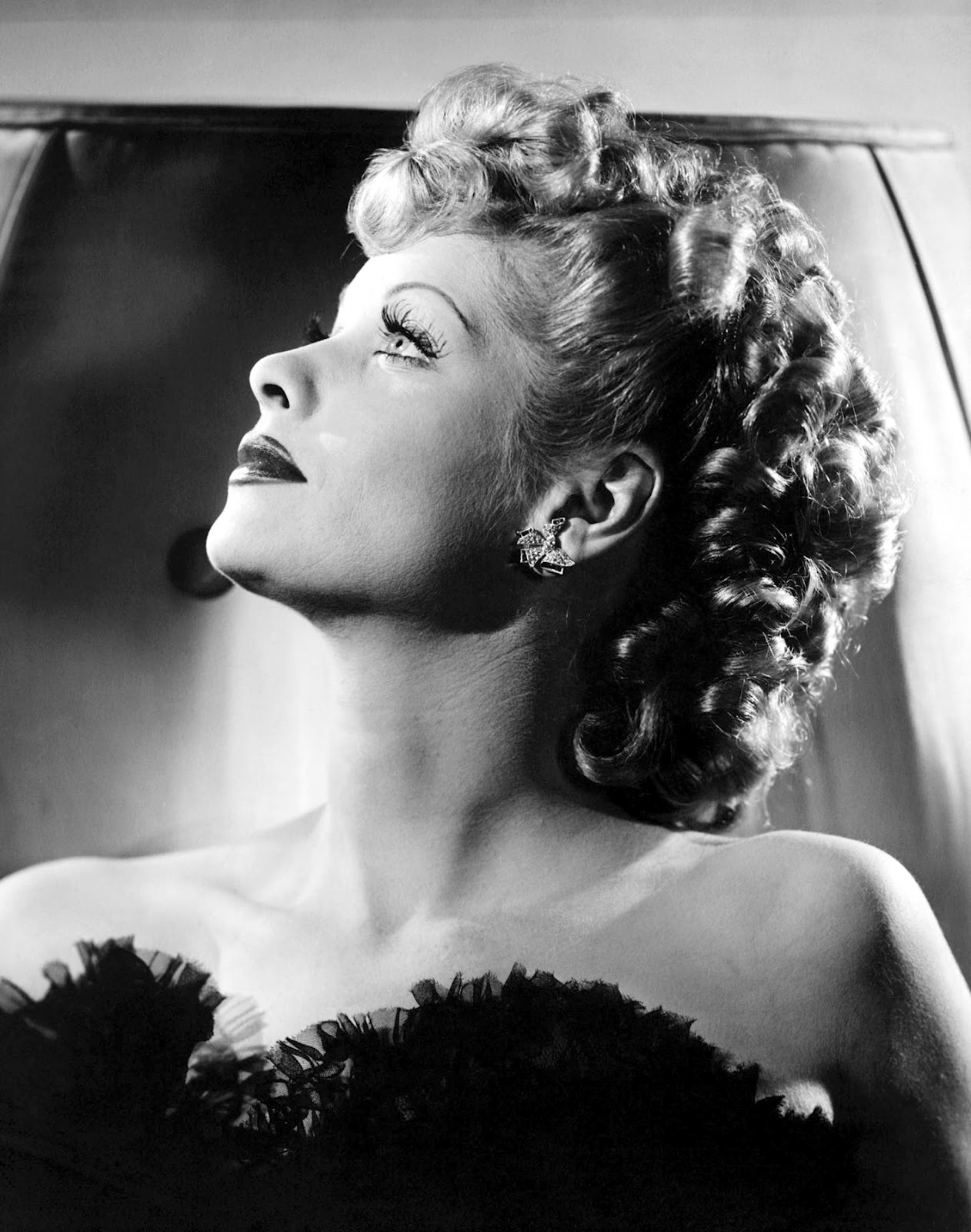 Love those classic movies in pictures lucille ball for Classic love pictures