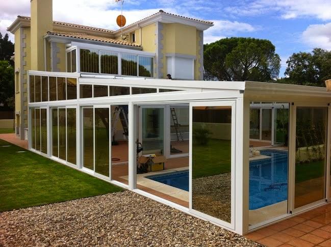 Foto cubierta de grandes piscinas fotos de cubiertas for Cubiertas para casas