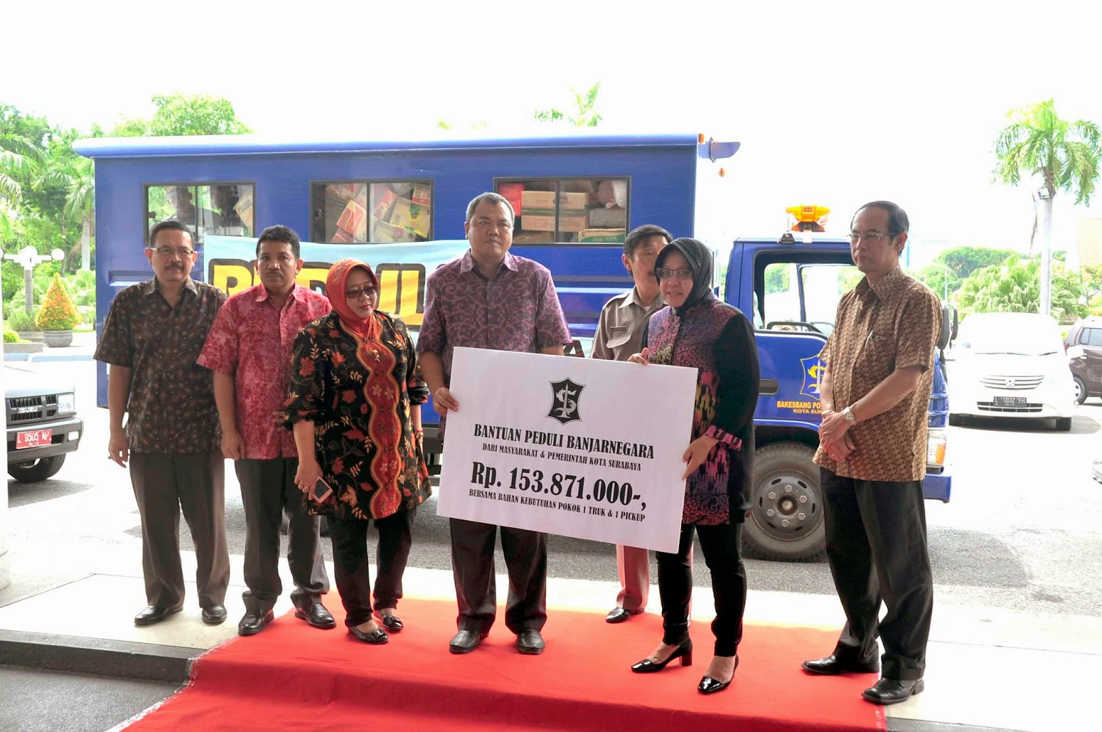 Majalah Fakta Online 2015 01 11 Produk Ukm Bumn Abon Sapi Ukuran 1 Kg Bantuan Walikota Surabaya Berangkatkan Untuk Musibah Tanah Longsor Banjarnegara