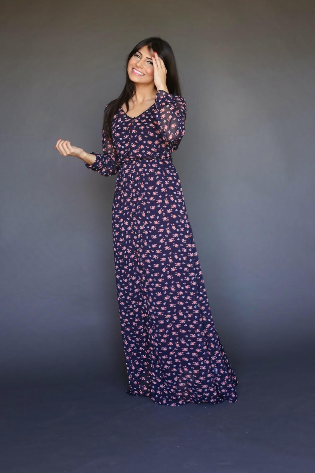 sheer long sleeve maxi dress with slip and small floral print Sophia Majeeb hijab tznius Mode-sty